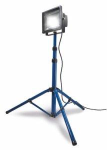 as - Schwabe Chip-LED-Strahler mit Stativ, geeignet für Außenbereich, Gewerbe, Baustelle, blau, 46903